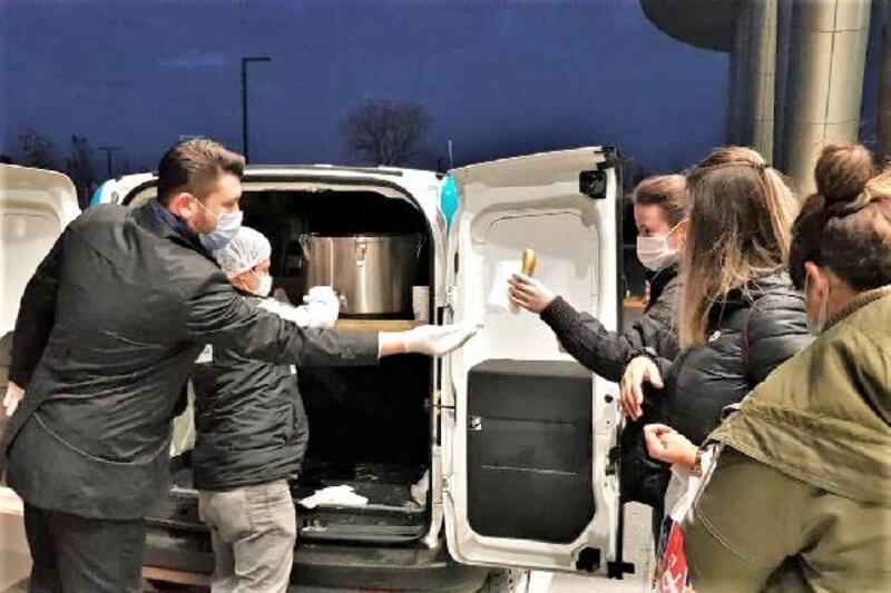 Süleymanpaşa Belediyesi'nden sağlık çalışanlarına çorba ikramı