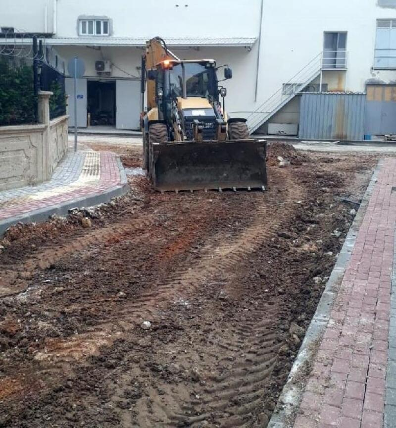 Osmangazi Belediyesi ekiplerinin asfalt mesaisi