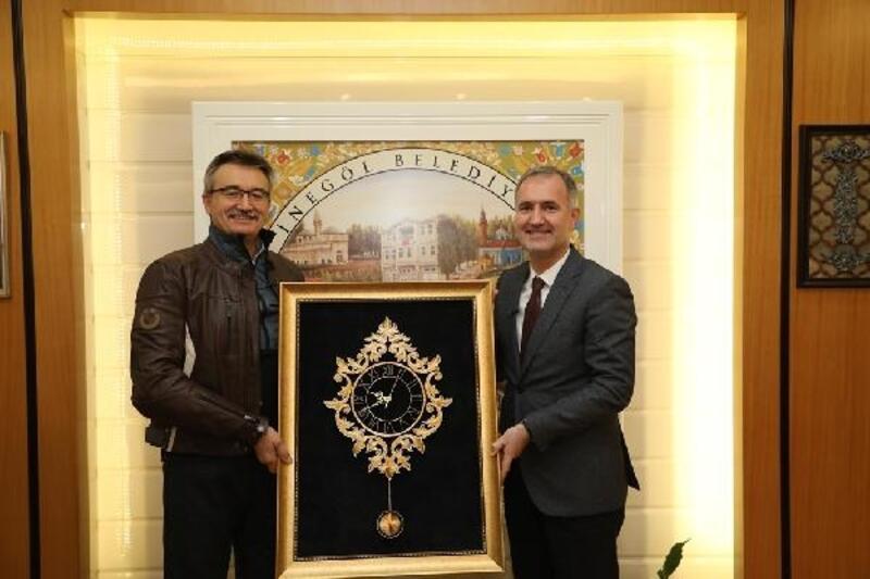 Kürşat Tüzmen'den İnegöl Belediye Başkanı Taban'a ziyaret