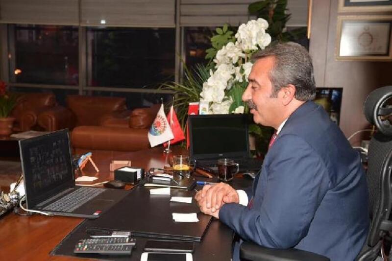 Kılıçdaroğlu belediye başkanlarını dinledi