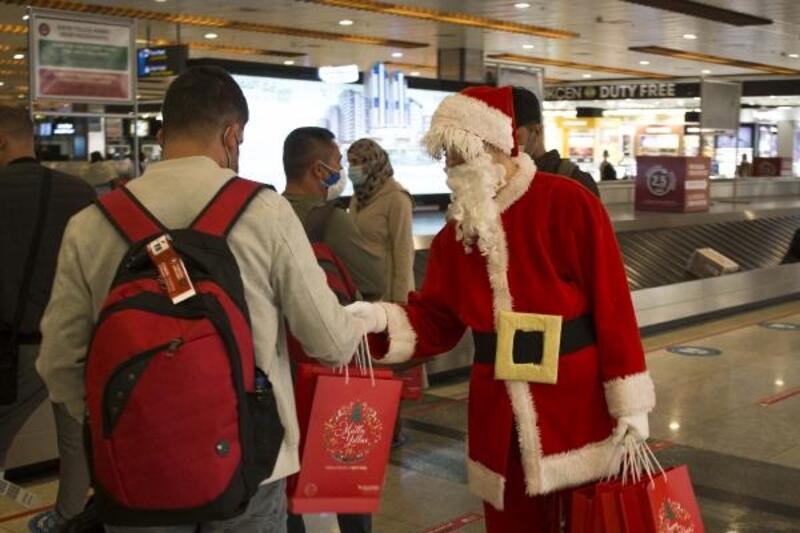 Sabiha Gökçen'de yolculara yıl başı hediyesi
