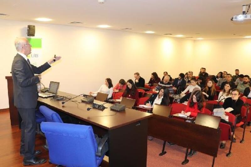 UİB'in pandemiye rağmen süren eğitimlerine 2 bini aşkın ihracatçı katıldı