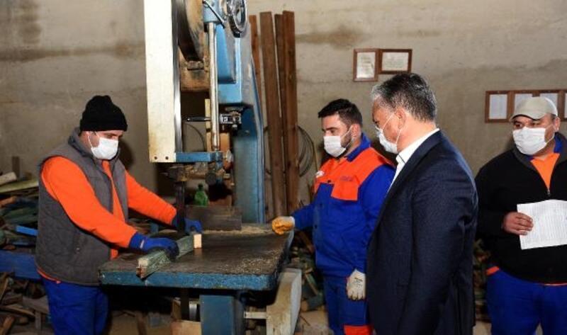 Başkan Uysal, atölyeleri ziyaret etti