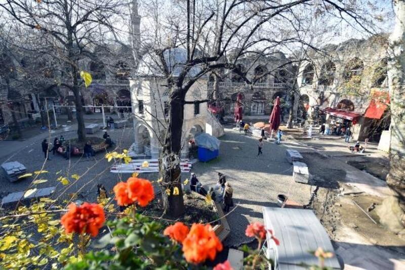 Koza Han'da zemin iyileştirme ve çevre düzenleme çalışmaları