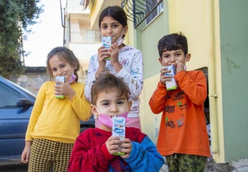 Çocukların evlerine süt servisi