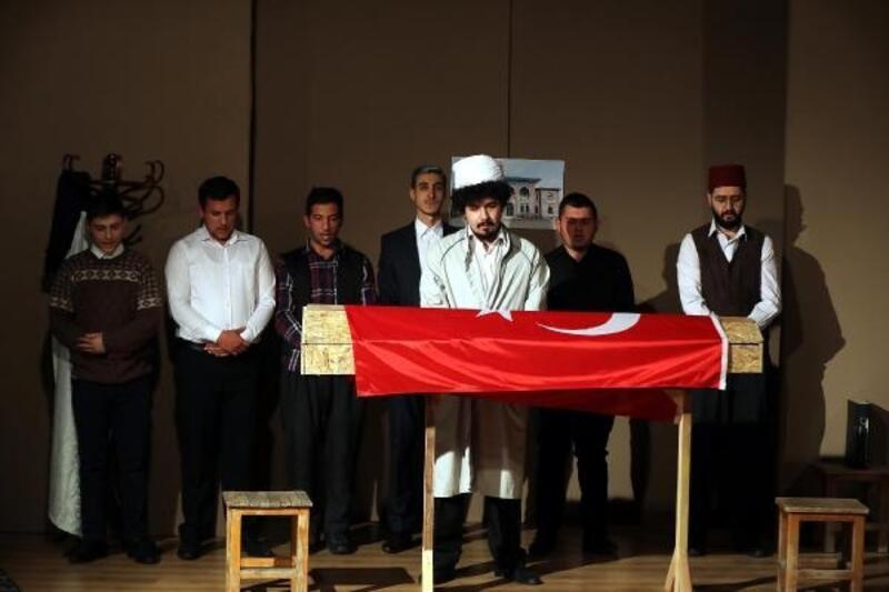 Mehmet Akif Ersoy, tiyatro oyunuyla anıldı