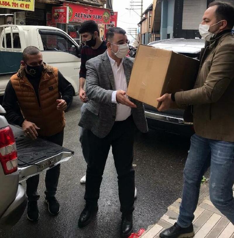 AK Parti'den Konak'taki 3 bin 500 aileye yardım