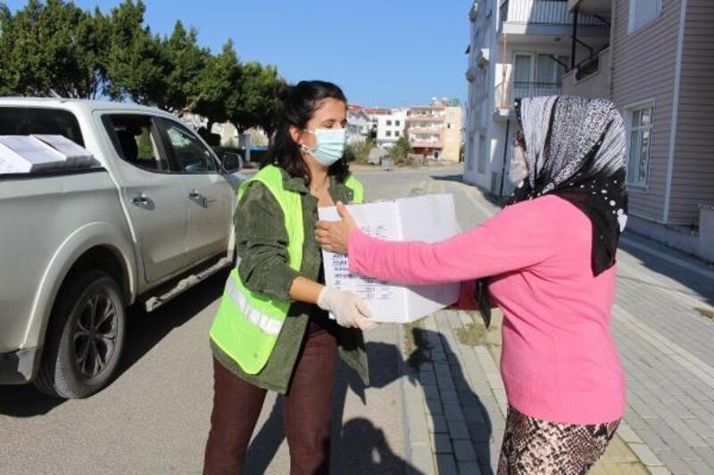 Manavgat'ta ihtiyaç sahibi ailelere gıda yardımı
