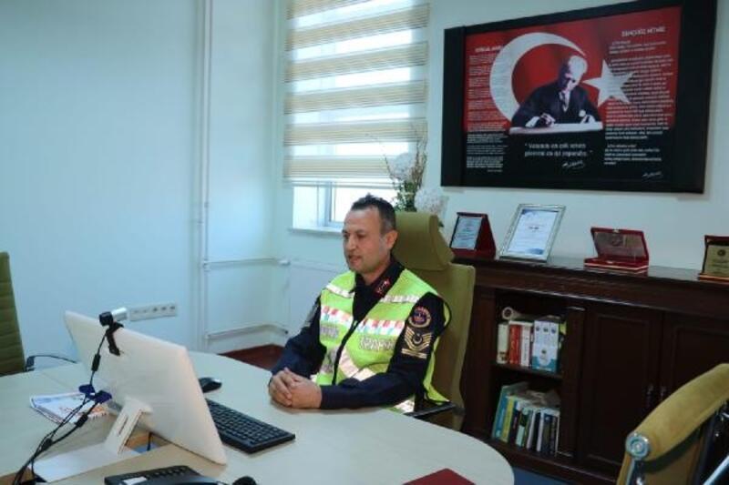 Kırıkkale'de jandarmadan öğrencilere trafik eğitimi