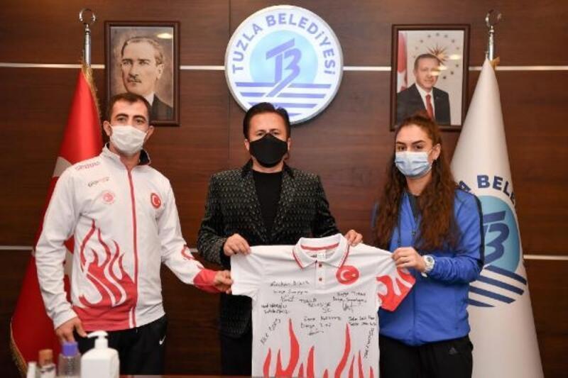 Tuzla'da başarılı sporculara toplam 168 bin lira para ödülü