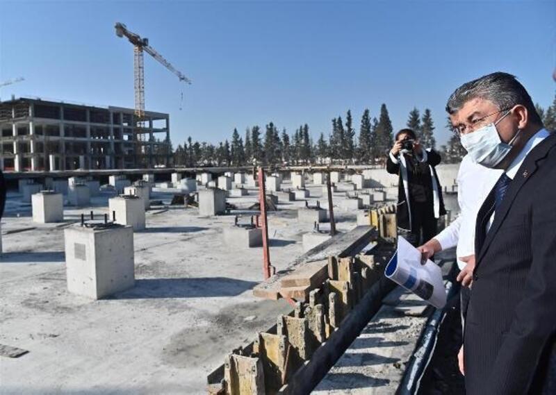 Vali Yılmaz, Yeni Devlet Hastanesi inşaatını inceledi