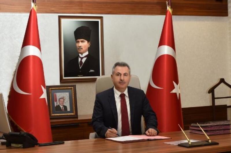 Adana'da kent protokolü, yeni yılı kutladı