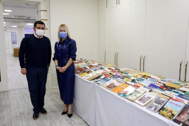 Rektör Özkan'dan, Cemil Meriç Kitaplığı'na kitap bağışı
