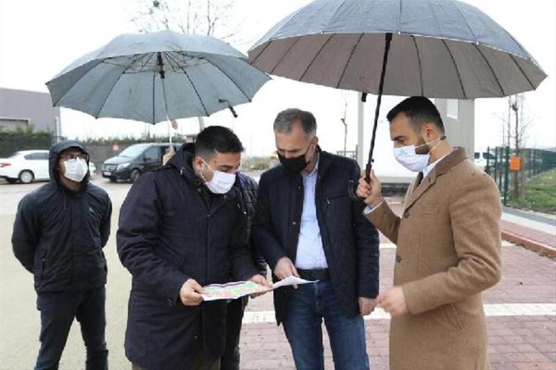 İnegöl Belediyesi yılın ilk günü yol çalışmalarına devam etti