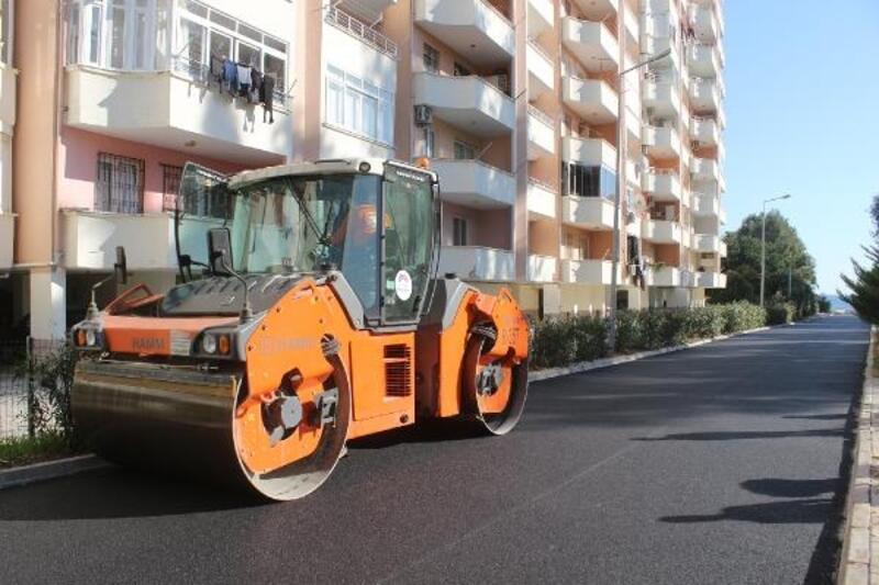 Büyükşehir, yol asfalt çalışmalarını aralıksız sürdürüyor