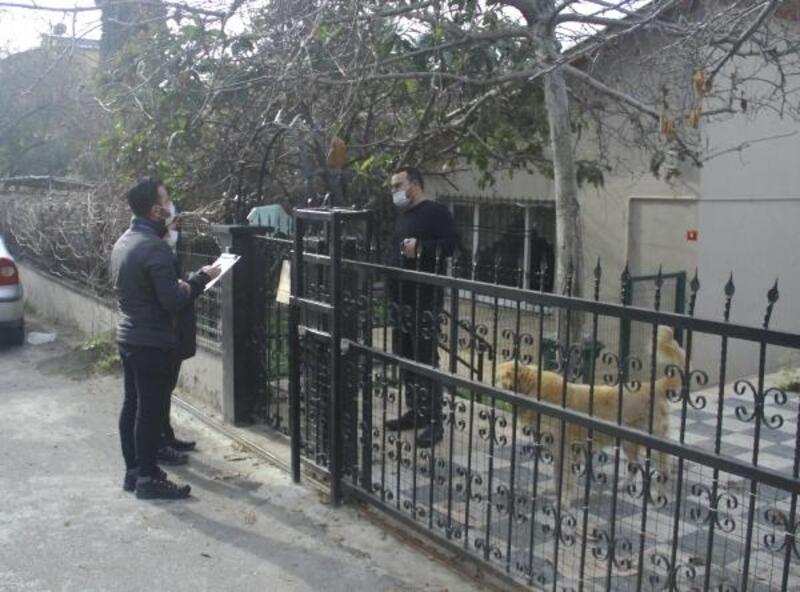Kartal'da Komşu İletişim Merkezi vatandaşları evlerinde ziyaret ediyor