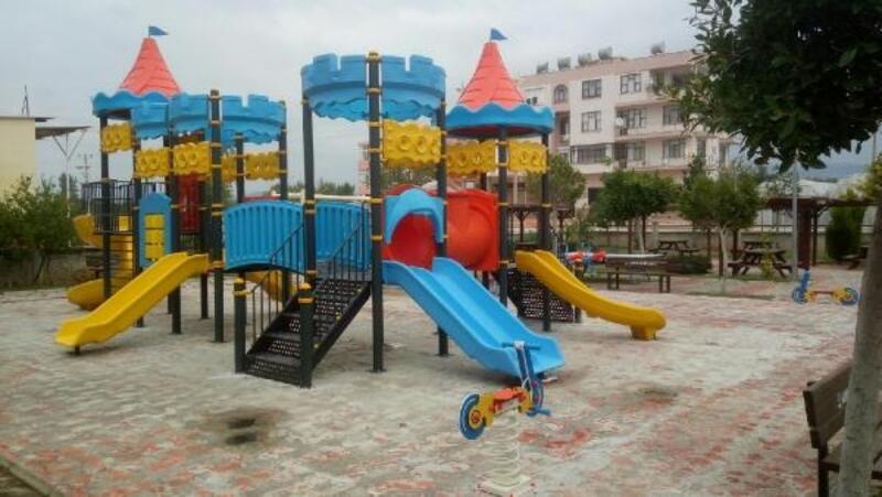 Çocuk parkları yenileniyor
