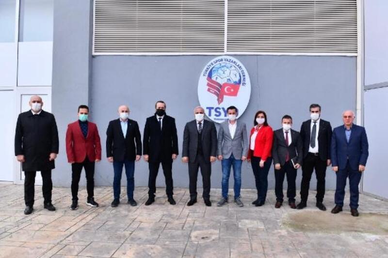 Başkan Zorluoğlu'ndan TSYD Trabzon Şubesi'ne ziyaret