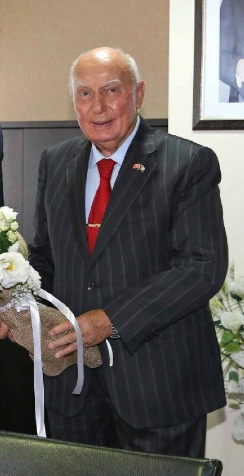 Duayen sanayici Kemal Baysak yaşamını yitirdi