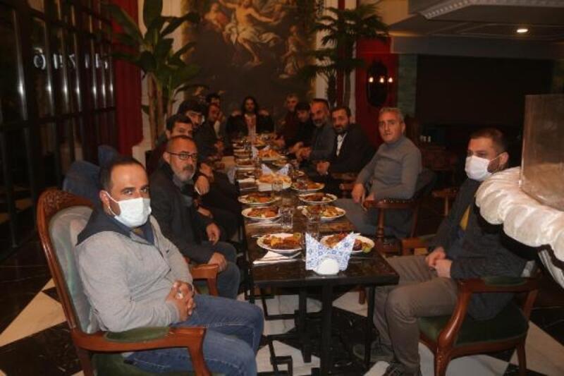 Van'daki gazetecilere, kaz eti ikramı