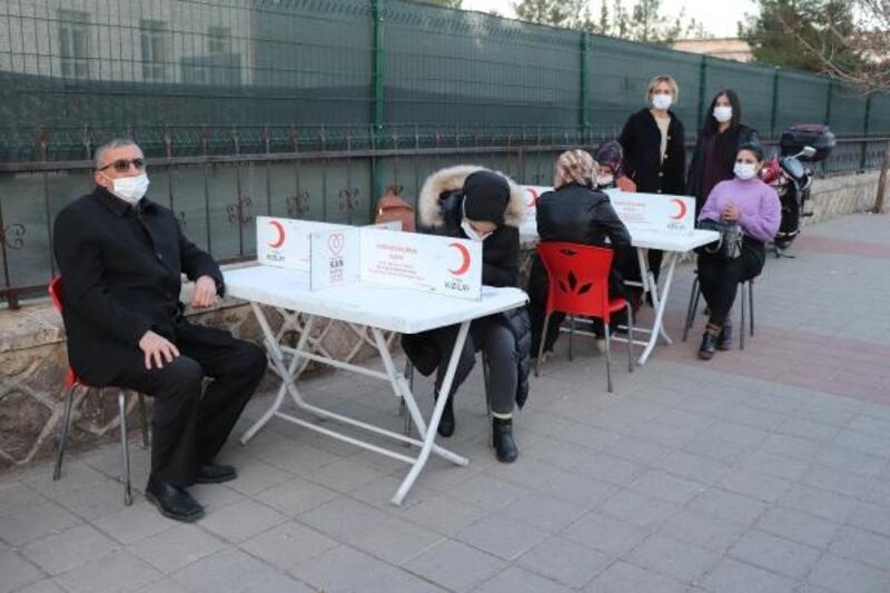 Midyat'ta kan bağışı kampanyasına destek