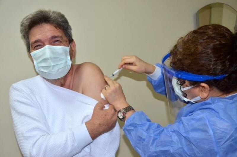 Serik'te sağlık çalışanlarına aşı