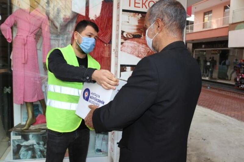 Büyükşehir'den ihtiyaç sahibi ailelere destek