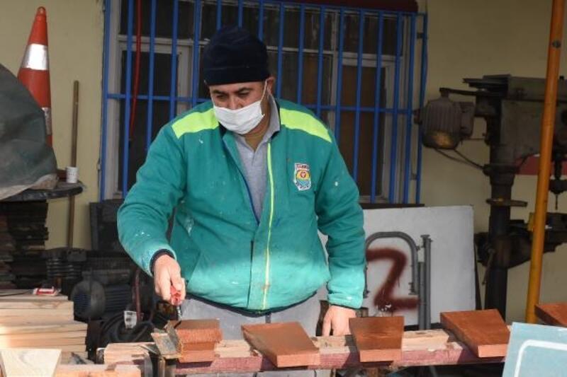 Tarsus'ta hurdaya atılan malzemeleri geri dönüştürülüyor
