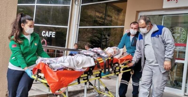 Kemer Belediyesi, yaşlı ve hastaların yanında