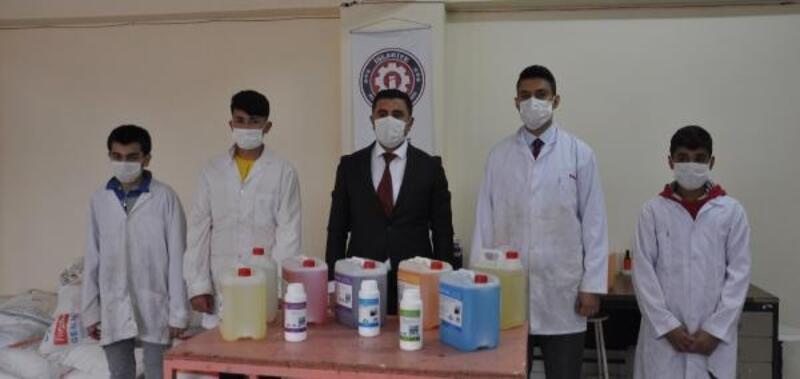 İslahiye'de lise öğrencileri dezenfektan ve logo üretiyor