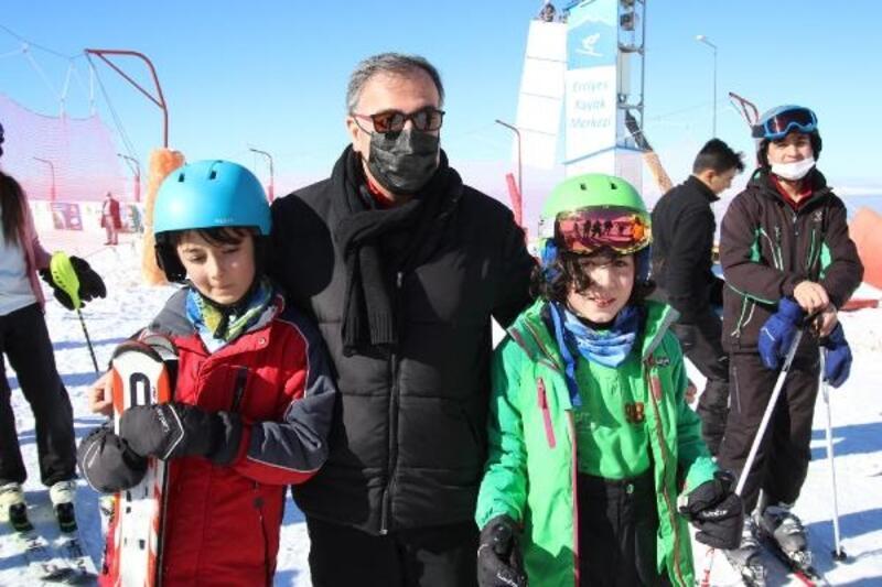Başkan Özdoğan'dan HADAK sporcularına ziyaret