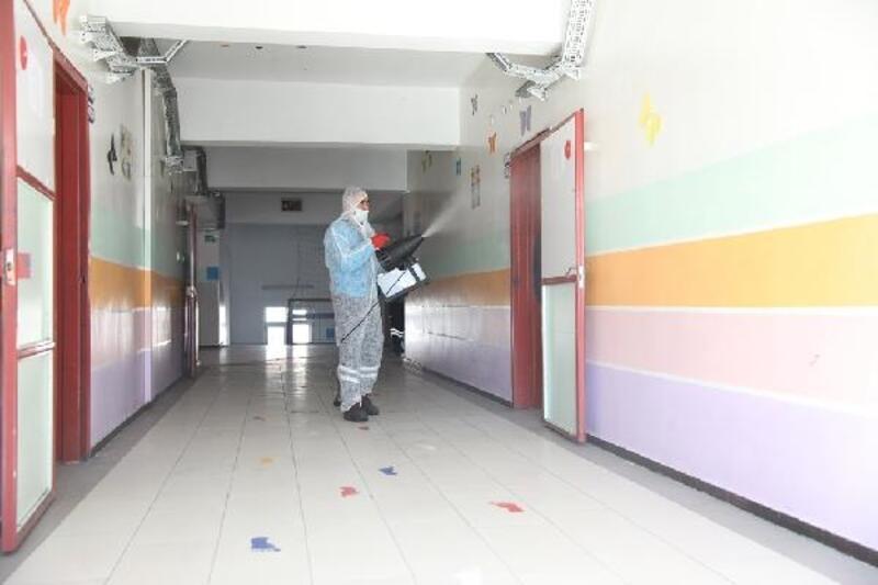 Kocasinan'da okullar dezenfekte edildi
