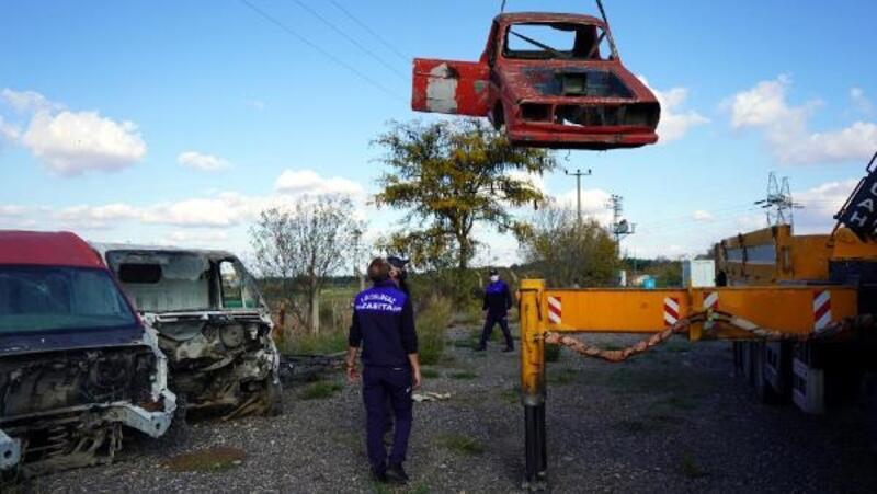 Lüleburgaz'da hurda araçları zabıta topladı