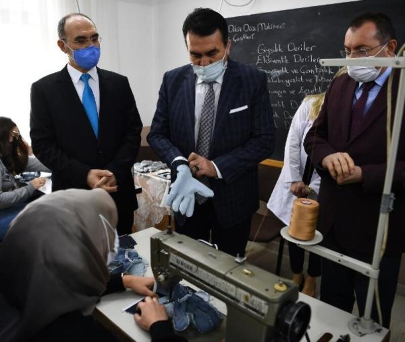 Osmangazi Belediyesi istihdam garantili deri eldiven dikiş kursunu açtı