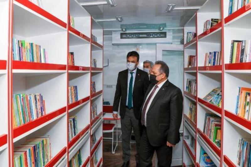Talas'ta 'gezici kütüphane' hizmete girdi