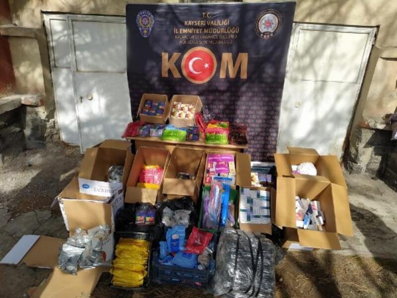 Kayseri'de kaçak nargile tütünü ve ilaç ticaretine 2 gözaltı