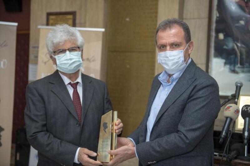 Şinasi Develi Mersin Kent Ödülü, yazar Turan Ali Çağlar'a verildi