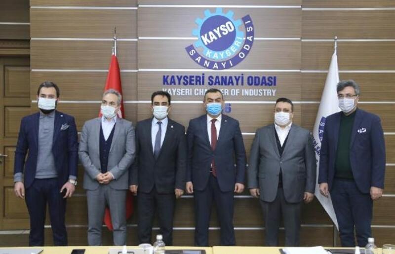 KAYSO'dan TOBB Türkiye 100'e giren firmalara plaket
