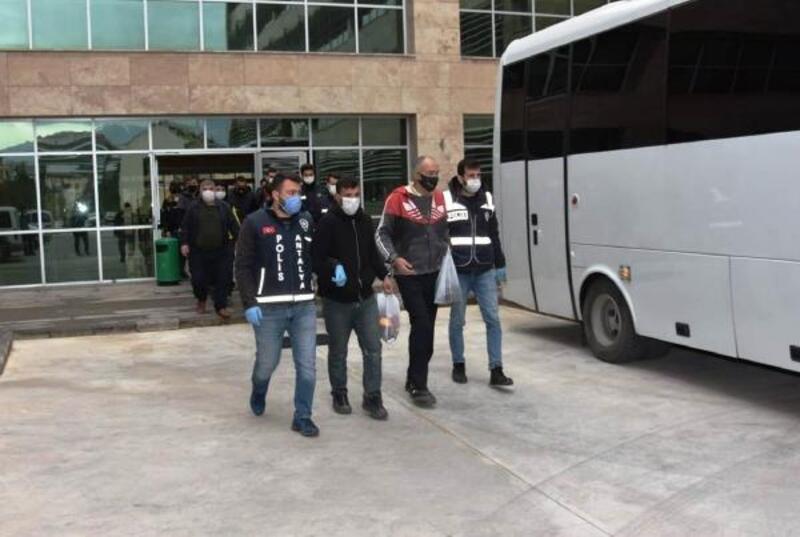 Antalya'da eş zamanlı operasyon; 81 gözaltı