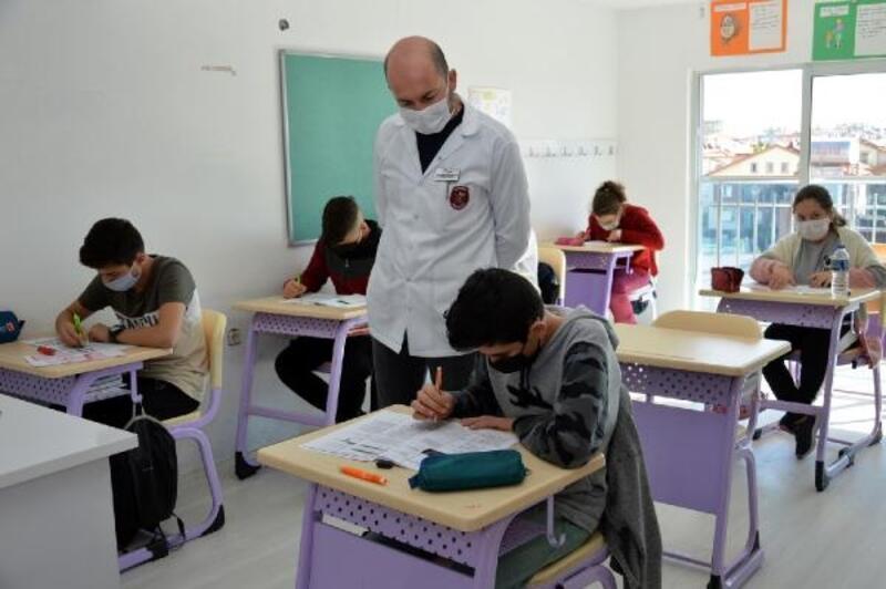 Manavgat Belediyesi etüt merkezi yüz yüze eğitime devam ediyor