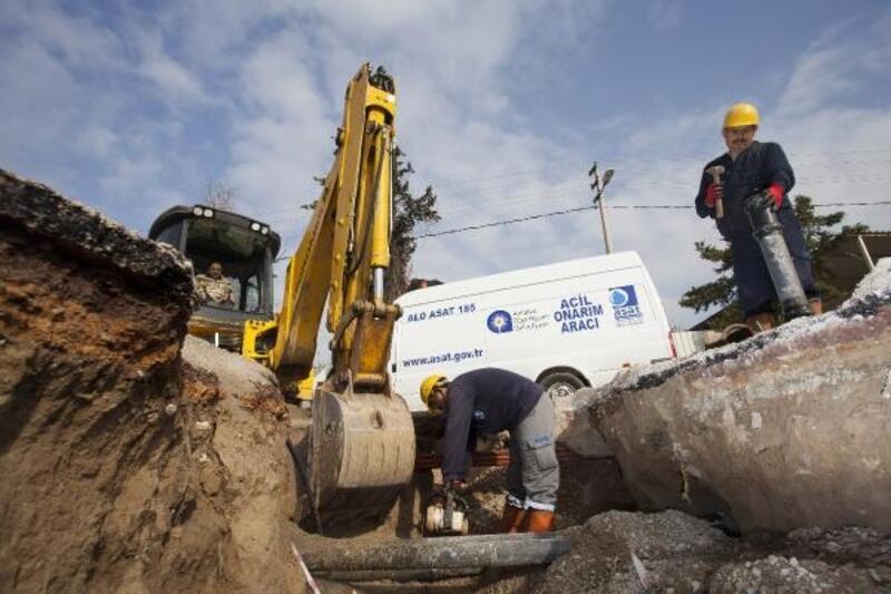 Büyükşehir içme suyu alt yapısına neşter vuruyor