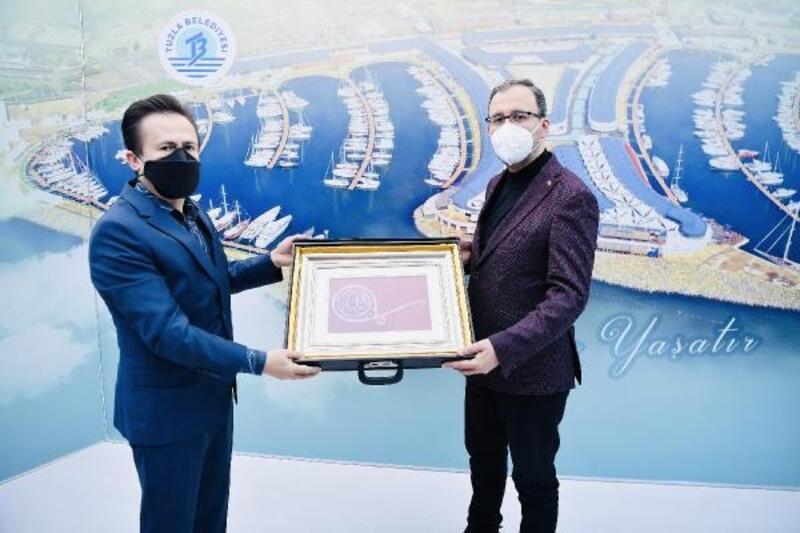 Bakan Kasapoğlu, Tuzla'daki spor yatırımlarını inceledi