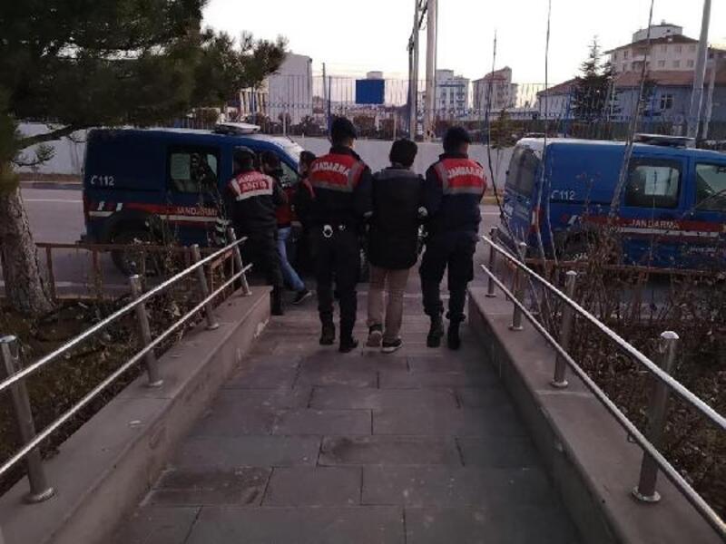 Sosyal yardım bahanesiyle eve girenler 4 bin TL'yi alarak kaçtı