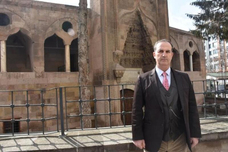 '2'nci Dünya Savaşı'nda İstanbul'daki kutsal emanetler Niğde'de muhafaza altına alındı'