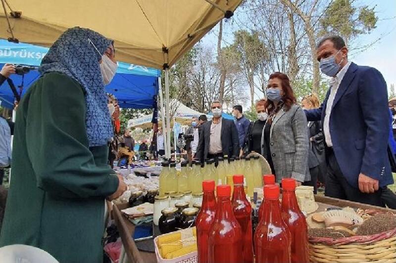 Kadın üreticiler Tarsus'ta stant açtı