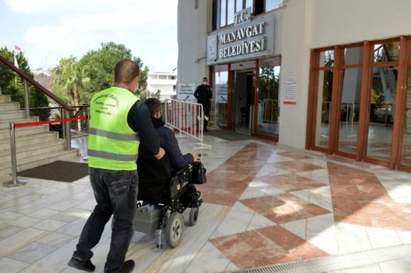 Manavgat Belediyesi'nden engelsiz ulaşım desteği