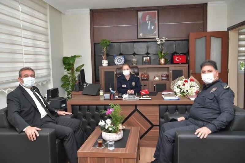 Başkan Soner Çetin, Çukurova İlçe Emniyet Müdürü Özlem Şeker'i ziyaret etti