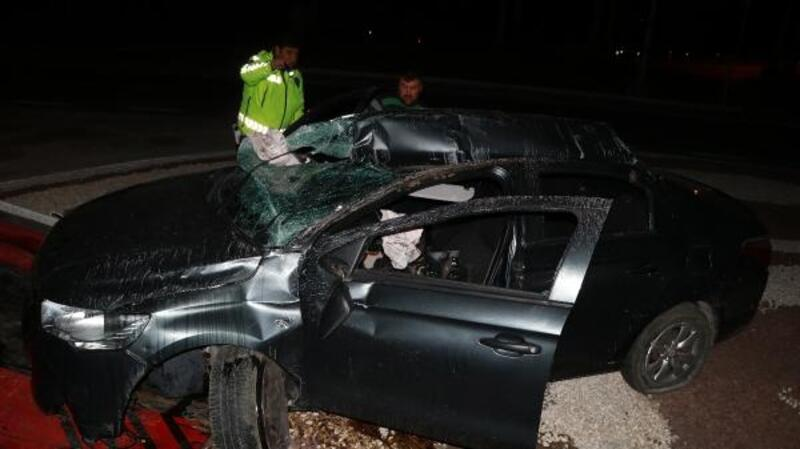 Burdur'da otomobil takla attı: 2 yaralı