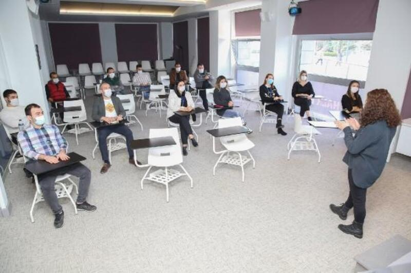 Nilüfer Belediyesi çalışanlarına toplumsal cinsiyet eşitliği eğitimi veriyor