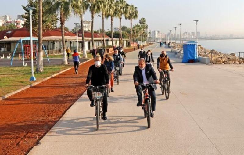 Başkan Tarhan bisikletle işe gitti